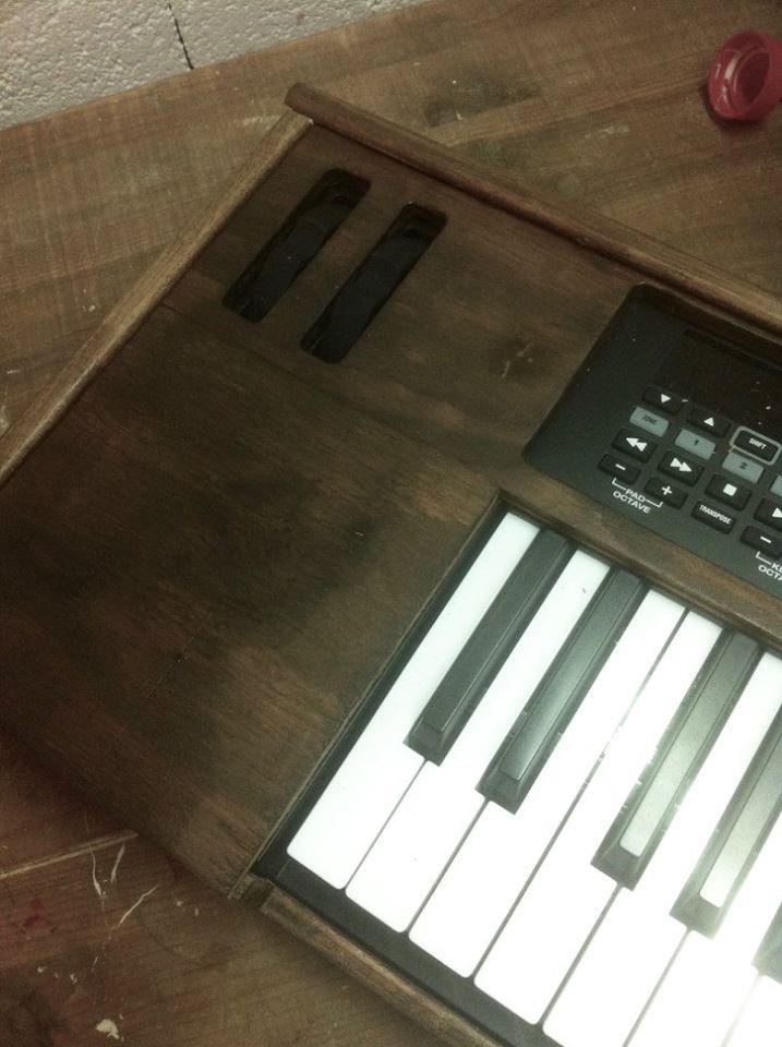 Fyrs / Habillage clavier en bois